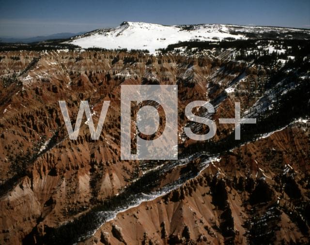 シダー・ブレークス国定公園 - 地理 | wps+(ワールド・フォト・サービス)